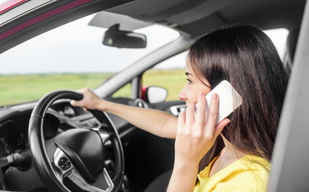 banning cell phones while driving Should cell phones really be banned while driving yes no maybe and so the disagreeing begins.